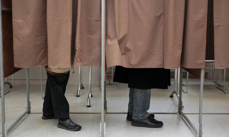 2.bureaux-de-vote-isoloire-pied-1500-pi-refonte-david-merle.jpg