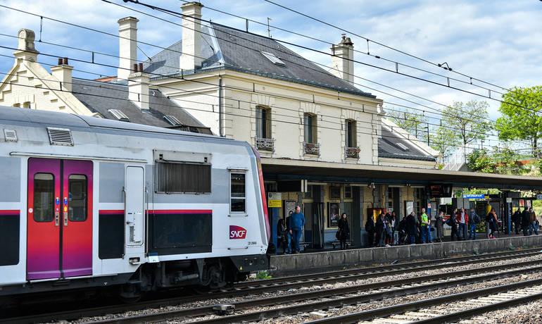 445-breve-5-gare-RER-1500-Frederic-iriarte.jpg